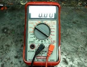 اندازه گیری مقدار آمپر یک باتری با مولتی متر دیجیتال