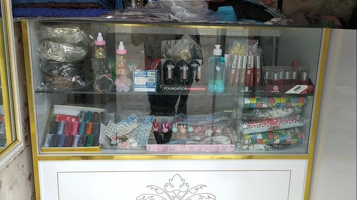 مغازه پوشاکی که با سرمایه کم راه اندازی شده